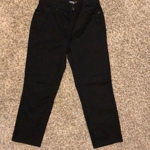 Chico's black sateen crops